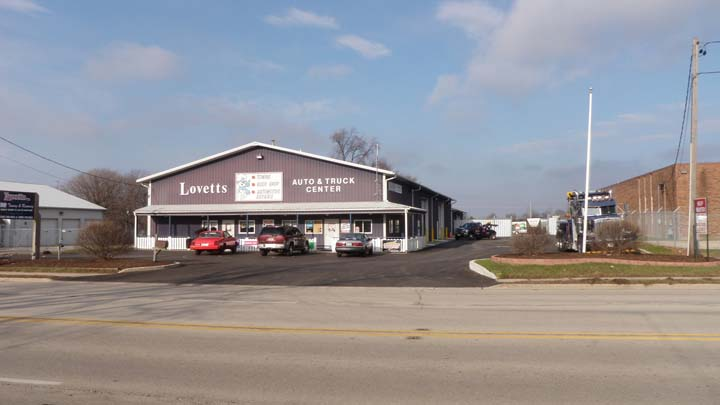 Lovetts Towing & Recovery - Towing - DeKalb, IL - Slider 5