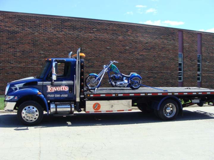 Lovetts Towing & Recovery - Towing - DeKalb, IL - Slider 1